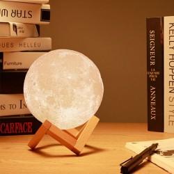 Mėnulio formos pastatoma...